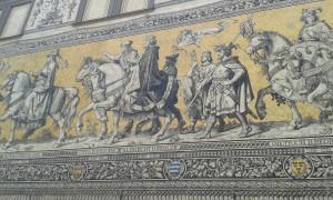 """Stadtrundgang in Dresden - """"Der Fürstenzug"""" ist das größte Mosaik der Welt"""